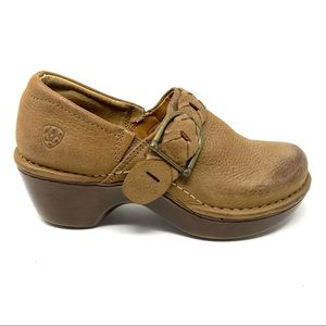 Ariat Amy leather clogs Sandstone